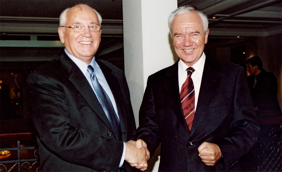 Treffen mit Michail Gorbatschow - 2001
